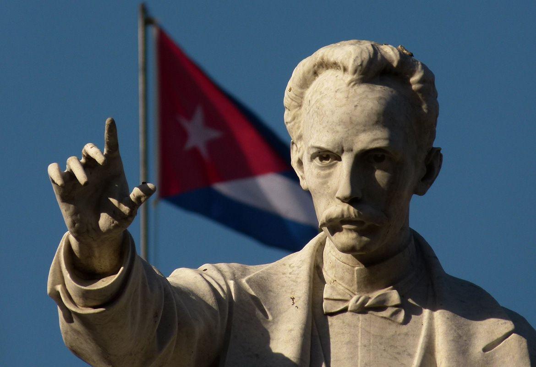Proiettili criminali contro il monumento a José Martí