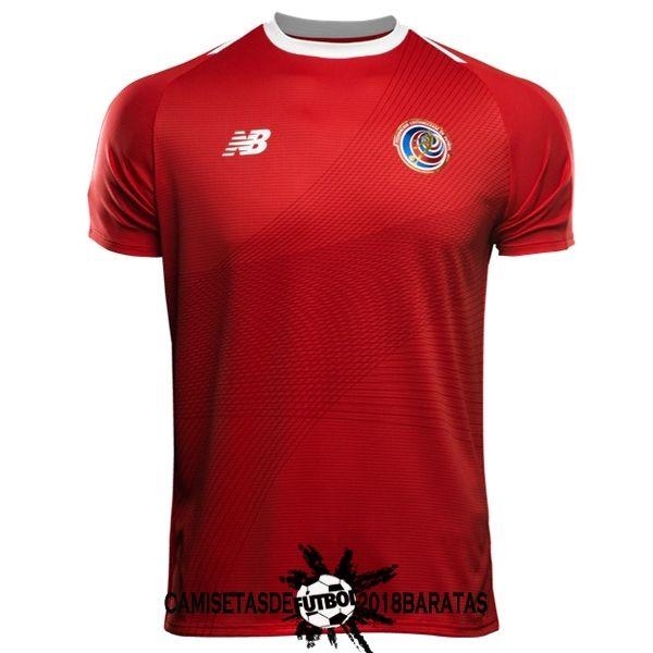 Pantalones cortos azules y calcetines blancos completan el conjunto camiseta  Copa del Mundo Costa Rica 2018. Store vende todas las camisetas ... 41d21345c43e6