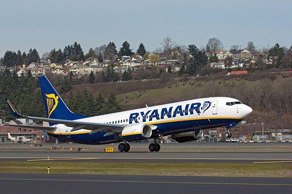 ryanair boeing 737 take off