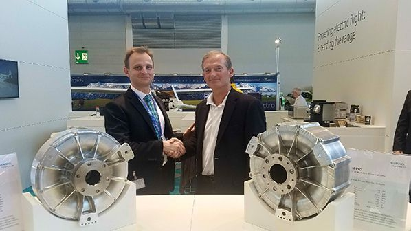 L to R - Olaf Otto (Siemens Head of eAircraft, Sales & Business Development) and George Bye (Bye Aerospace CEO)