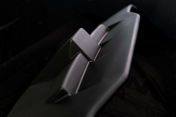 elixir aircraft cockpit noir mat finition discrète raffinée