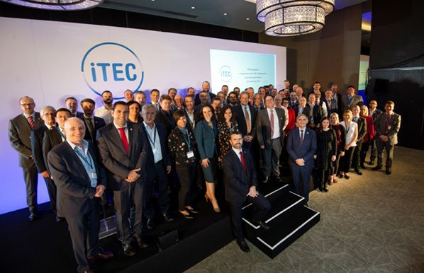 iTEC-members-sign-MoU