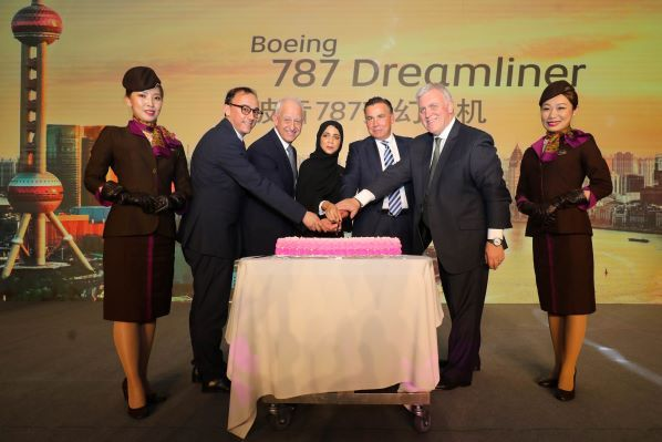 (Left to right) Germano Rollero, GM North Asia; Danny Barranger, SVP Global Sales; H.E. Faizah Al Blooshi, UAE Consul to Shanghai; Robin Kamark, Chief Commercial Officer; Lindsay White, VP of Eastern Region; celebrated the deployment of Boeing 787-10 Dreamliner to Shanghai
