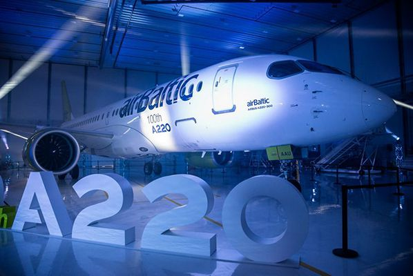 A220 airBaltic Airbus celebrates the 100th A220 aircraft produced © irbus
