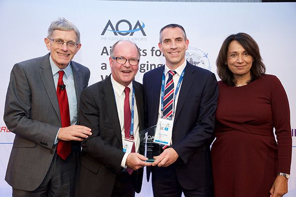 NATS AiQ AOA award win Pictured L-R: Simon Calder, AiQ Managing Director Derek Allen, NATS Portfolio Manager Gary Conroy, and AOA Chair Baroness Ruby McGregor- Smith. © Simply_Photography