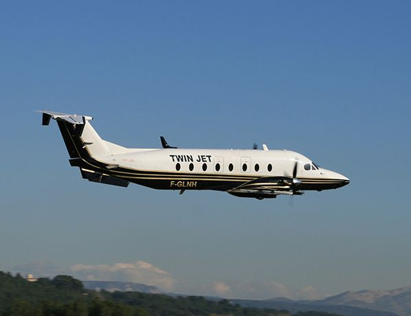 Beech1900 Twin Jet en vol