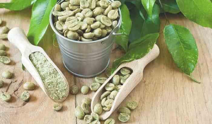 Café verde en grano y en polvo
