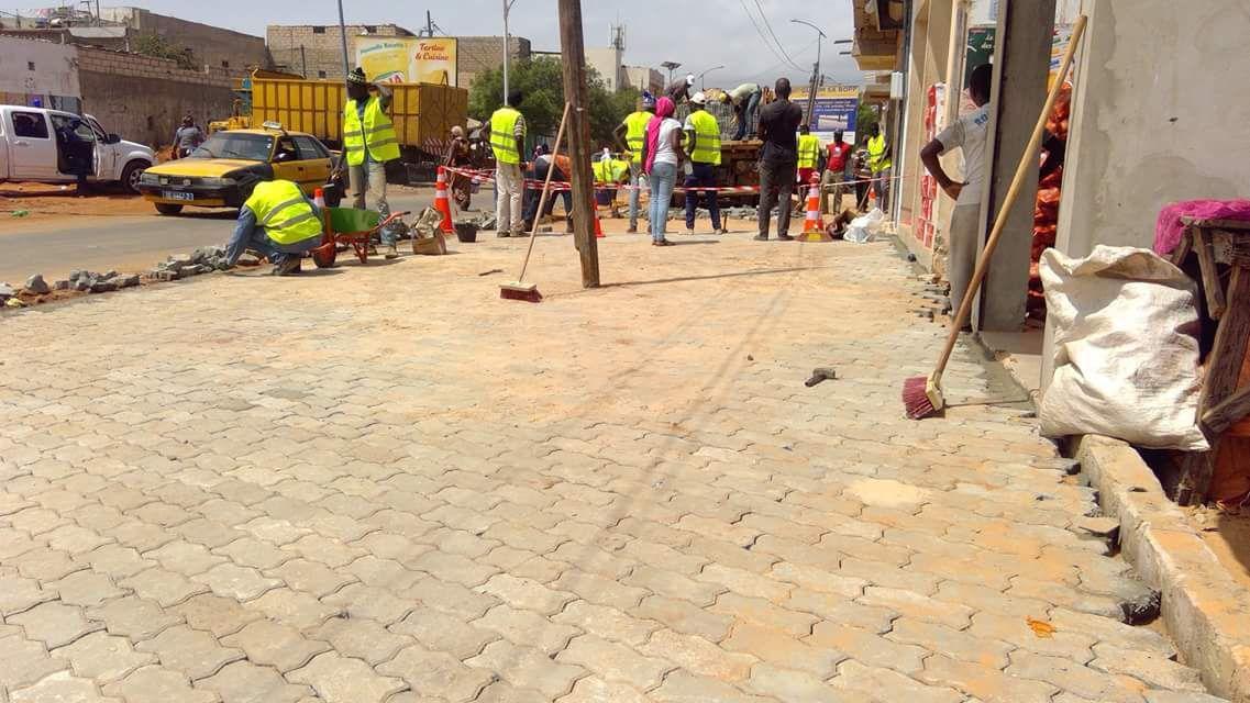 Visite de chantier de PAVAGE : LE MAIRE DE LA VILLE ABDOULAYE THIMBO A ASSURER BIG TIME // GOOD JOB MR LE MAIRE.