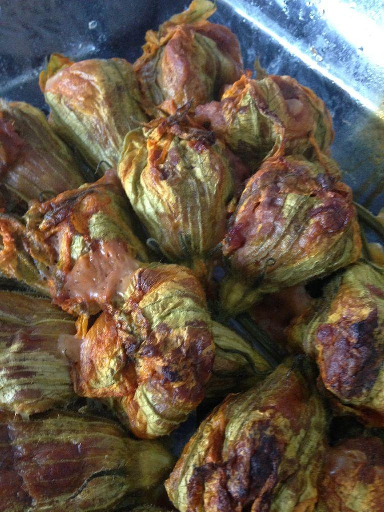 fleurs de courgette farcies au veau et à la scarmozza