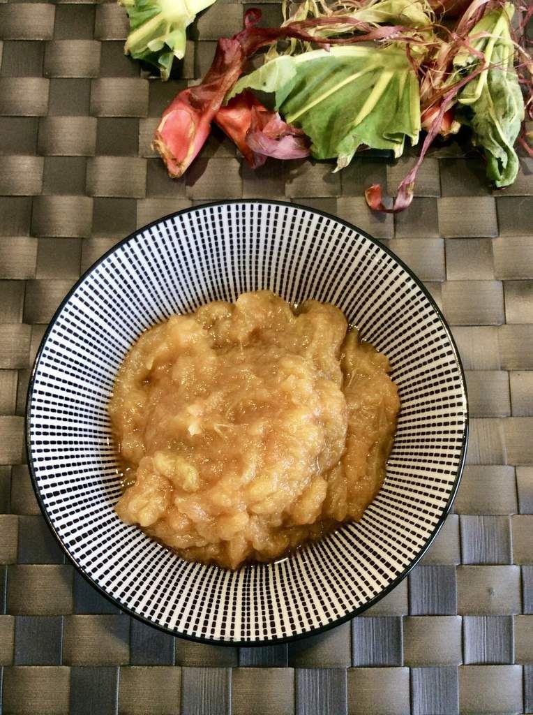 Compote de rhubarbe et pommes au gingembre
