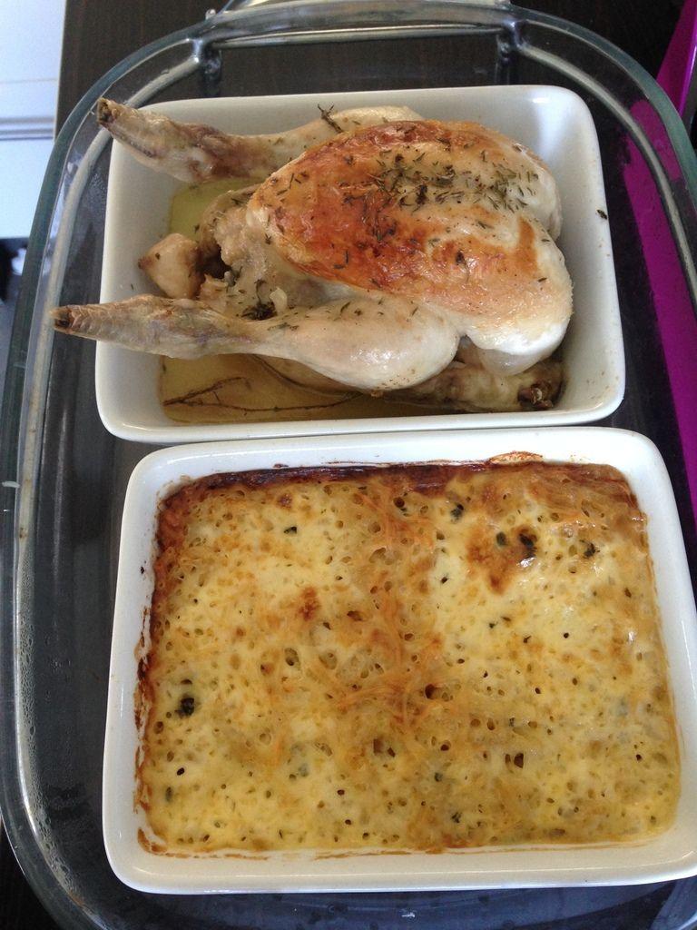 coquelet rôti et gratin de pâtes au roquefort