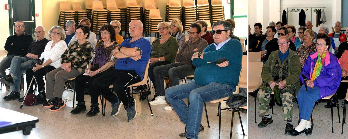 Photos AC : La salle avec à droite André et Madeleine Paillet , Doyenne de l'Amista et du village de Grambois et la tribune