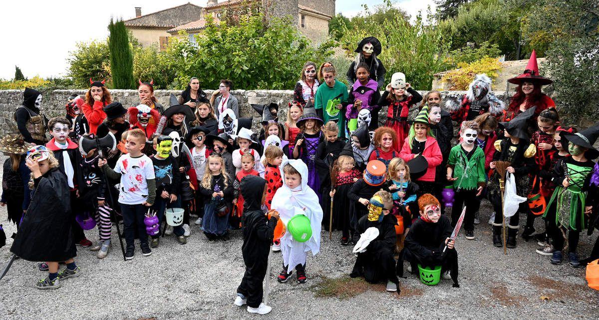 GRAMBOIS     Au village, on a fêté Halloween