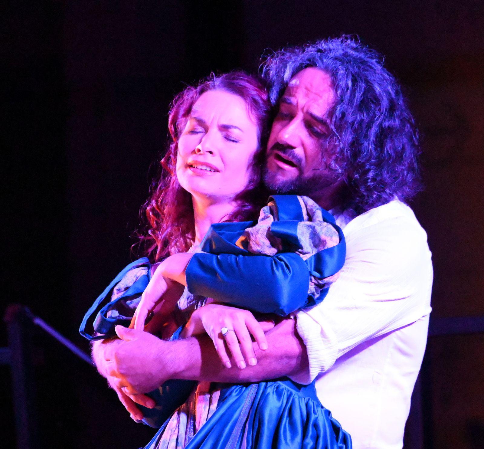 Photos AC . Rigoletto au château de Peyrolles