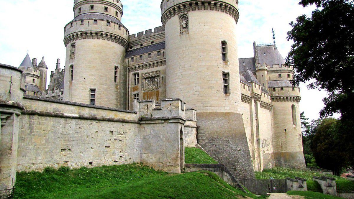 le château de Pierrefonds en forêt de Compiègne