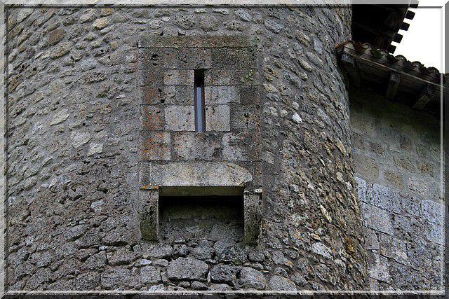 Sous les latrines, sentez vous l'odeur médiévale ?