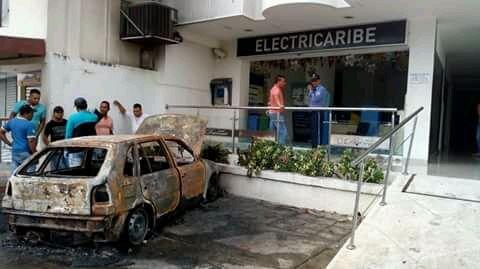 Regional   Plateños arremetieron contra oficinas de Electricaribe