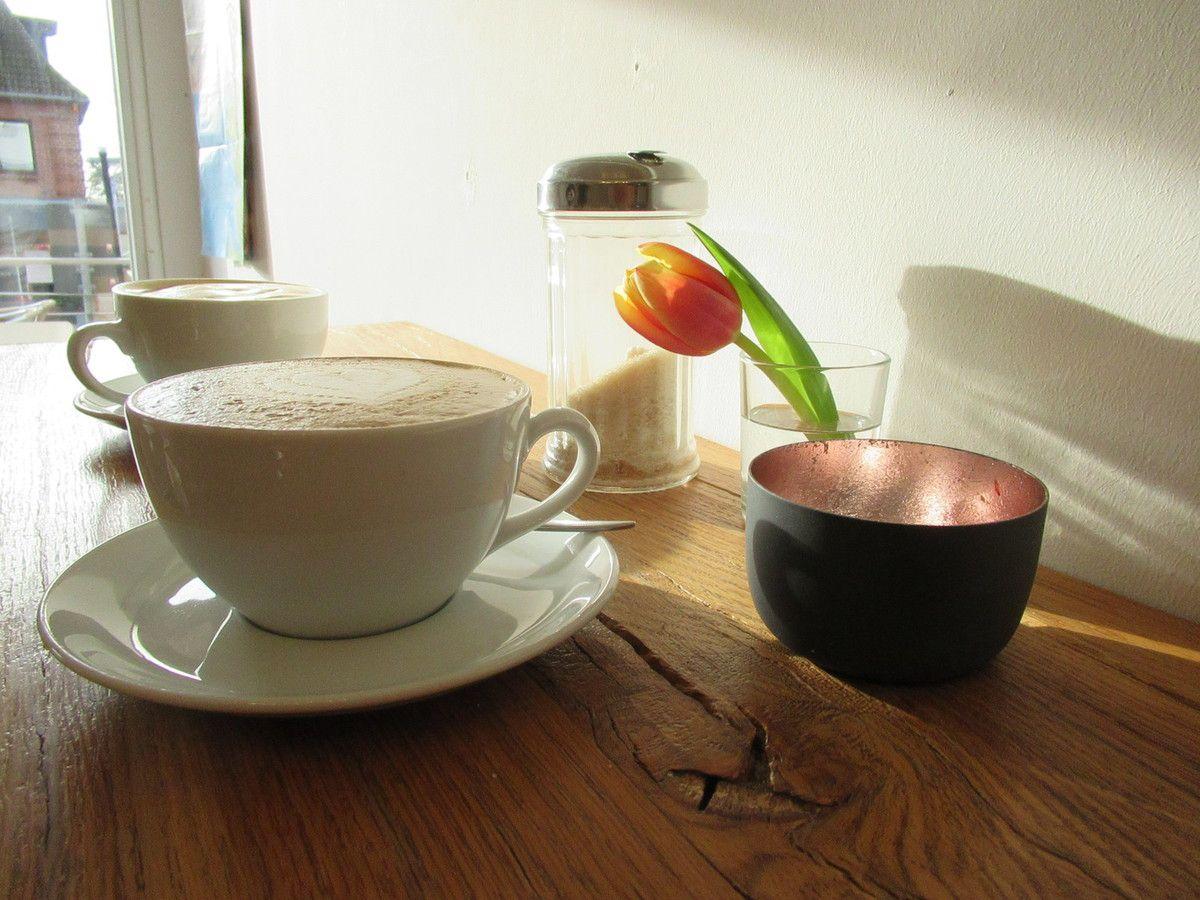 Pünktchen, der Kaffeekocher  und meer