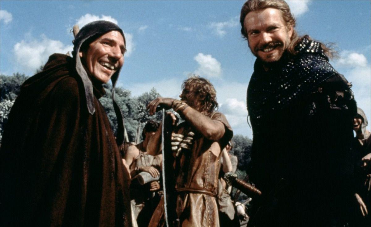 Pete Postlethwaite sur le tournage, en compagnie de Dennis Quaid… Deux vraies gueules de cinéma.