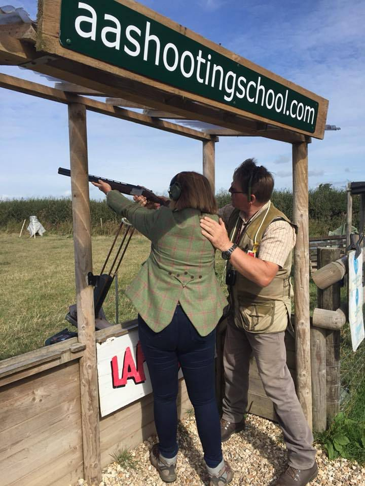 One to one clay shooting lessons with an expert shooting instructor is available at this clay pigeon shooting school.