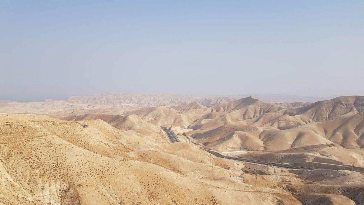 En panne en plein désert en territoire palestinien !