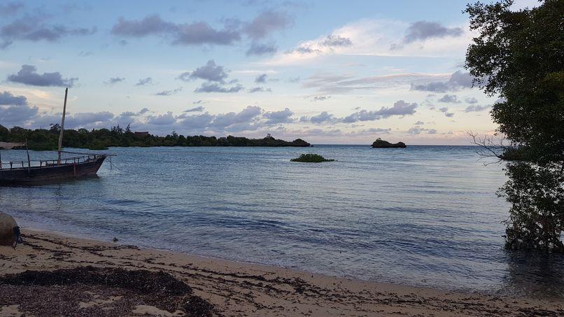 """""""notre"""" plage à marée basse..."""