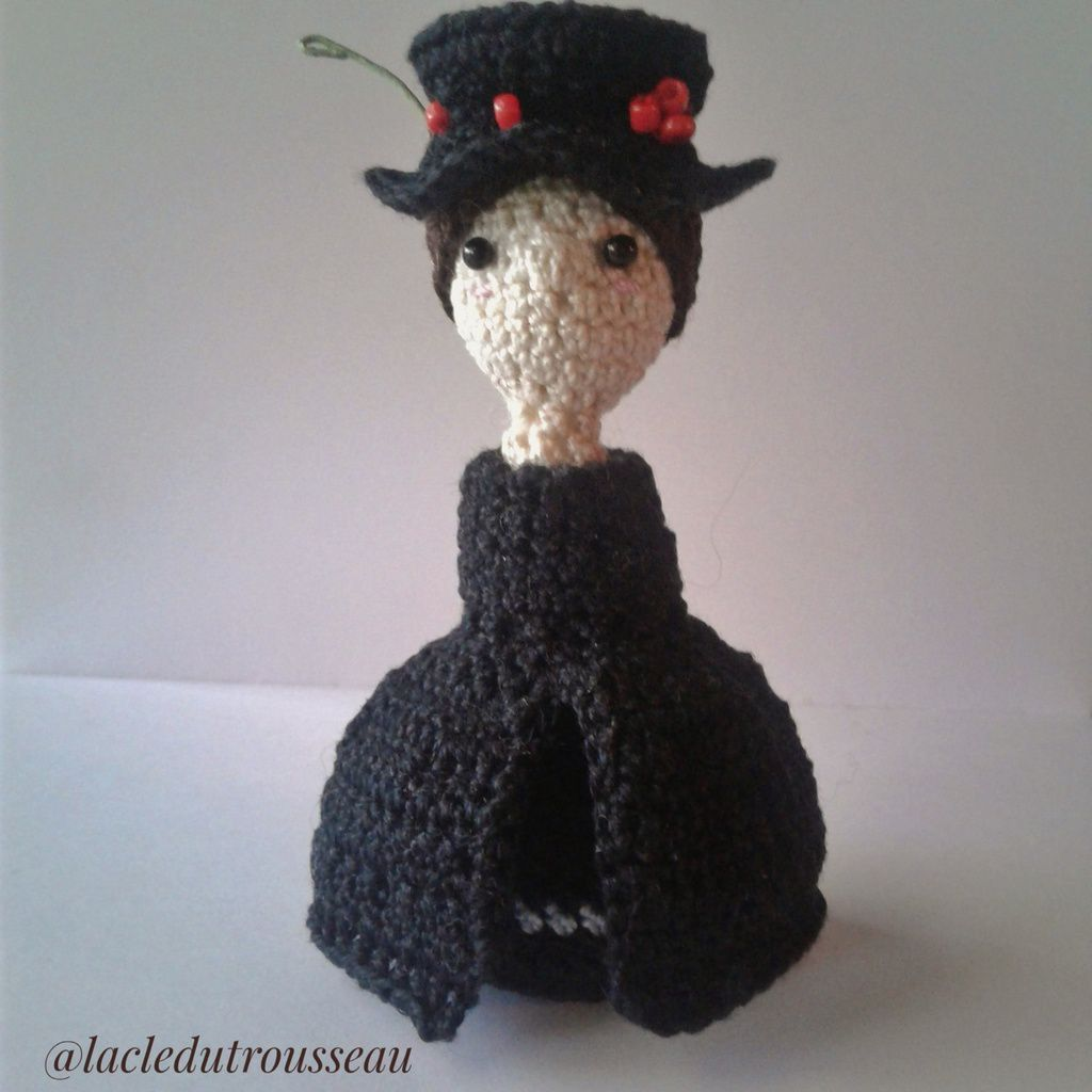 Mary Poppins, crochet, doll, amigurumi, miniidoles, Disney, PLTravers