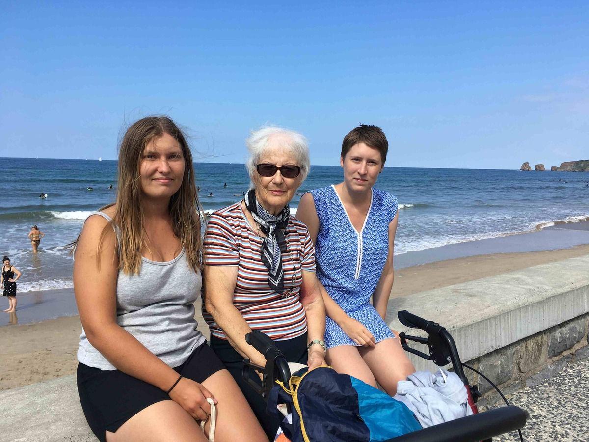 Ma mère entourée de deux généreuses donatrices…