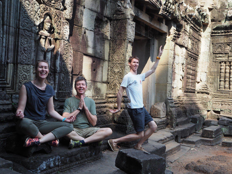 Bon baisers du Cambodge... et début des collections.