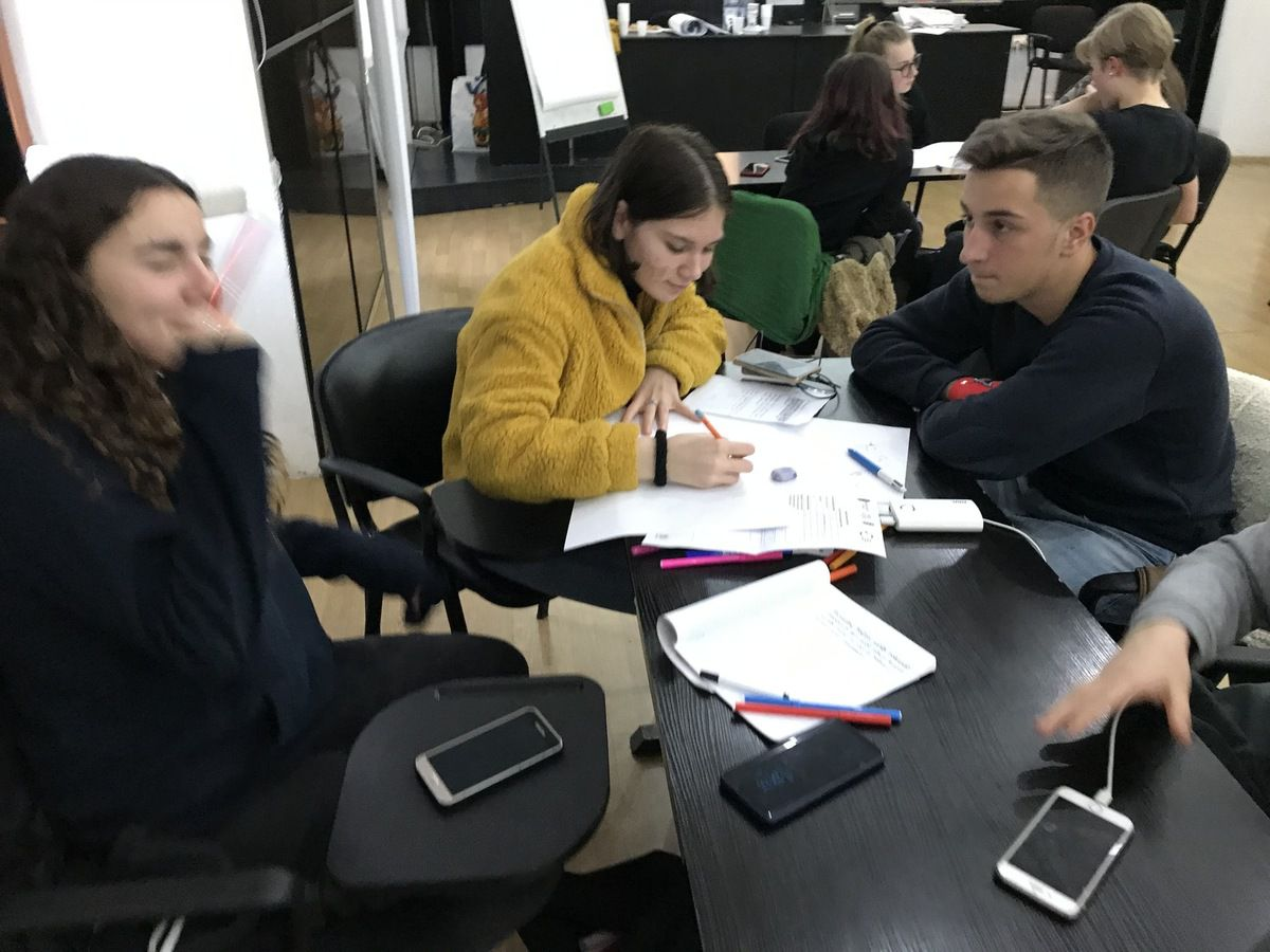 SMRO19 CREATION - workshop-business ideas for a simulated firm