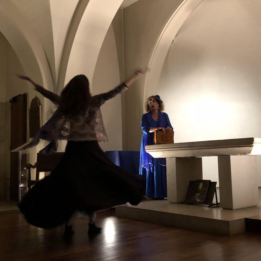 Terra Maïre convié par La Touche Enchantée au Divine Récital de la crypte des Abbesses