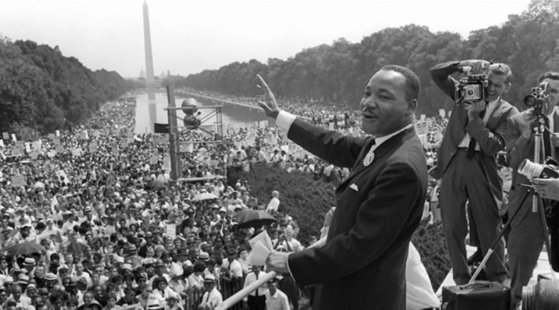 Épique discours de Martin Luther KIng Jr au pied du Memorial Lincoln, août 1963