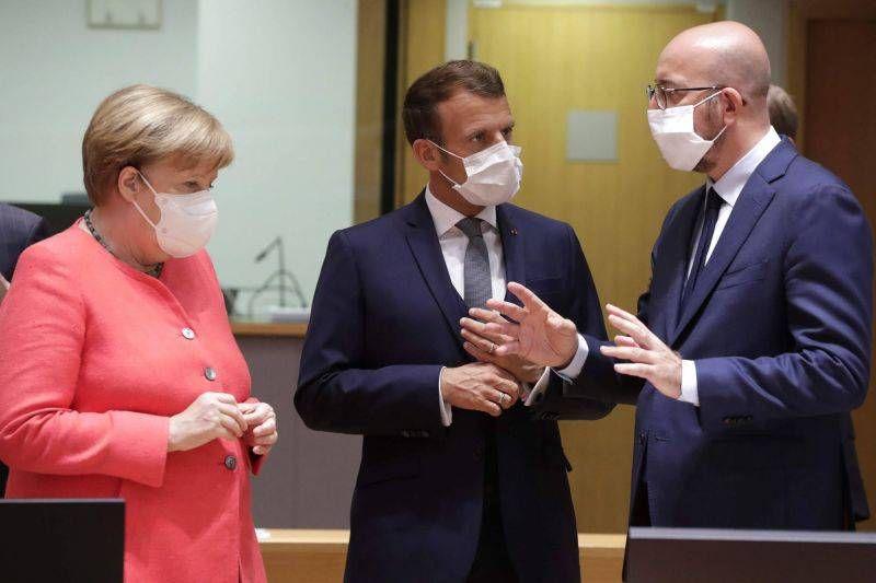 """17 juillet 2020. Angela Merkel, Emmanuel Macron & Charles Michel  avant le """"sommet européen"""""""