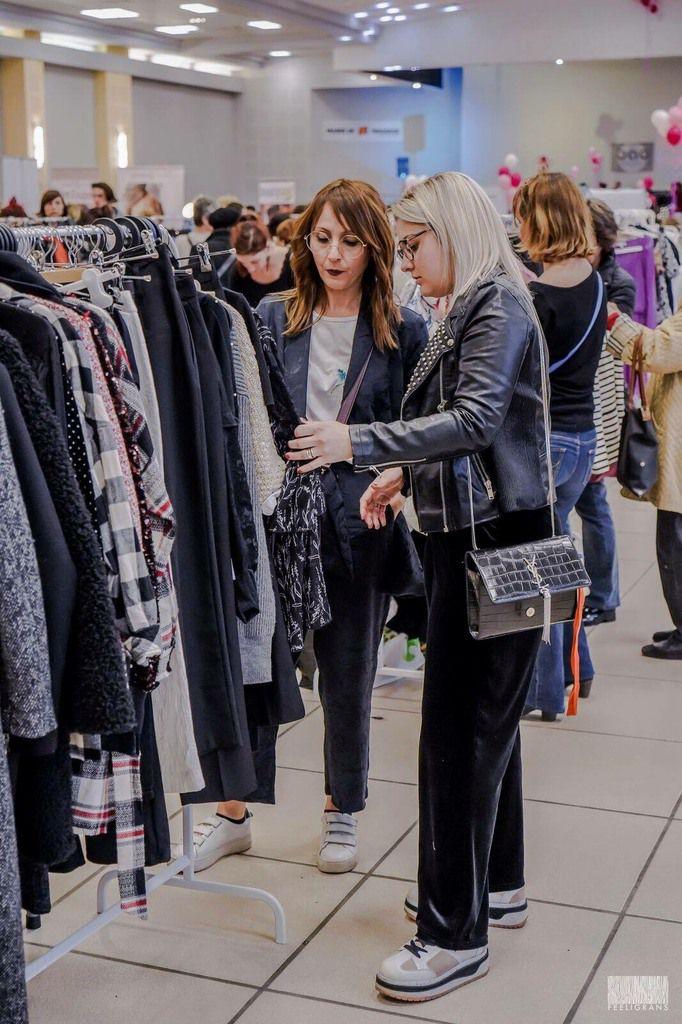 folle shopping vide dressing noel
