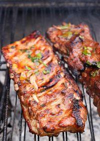 Travers de porc mariné à la sauce BBQ et au sirop d'érable