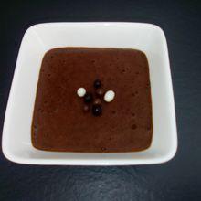 Mousse au chocolat végétalienne (sans oeufs) avec du jus de haricots rouges (companion ou pas)
