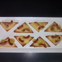 Toasts apéro knacki fromage