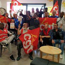 Manif de salariés d'Ikea au siège social