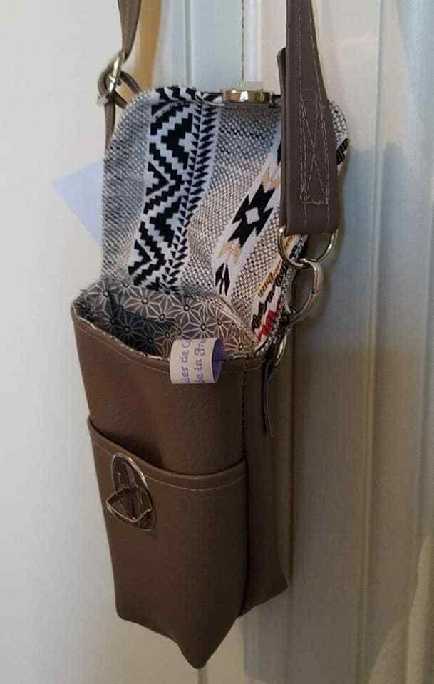 Sacoche bandoulière et sa poche appareil photo, pièce unique, commande spéciale