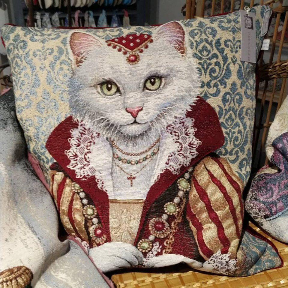 Des coussins tres tres chats........................ Made in France .. Made in Alvignac .
