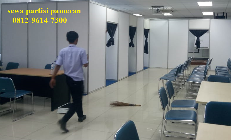 Sewa Partisi Pameran, Sewa Fitting Room Murah, Sewa Fittinjg Room R8