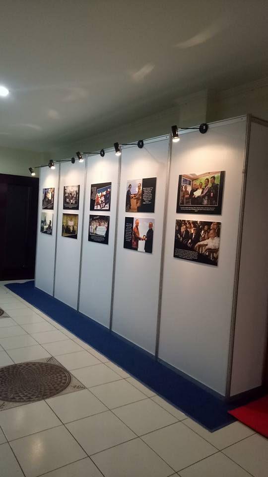 Sewa Panel Foto Jakarta, Panel Foto R8, Sekat R8