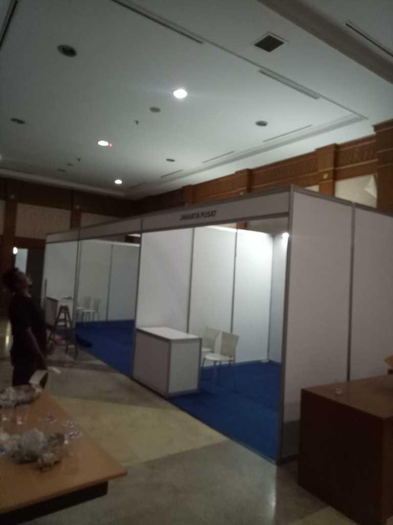 Sewa Booth Pameran, Booth R8, Sewa Booth R8