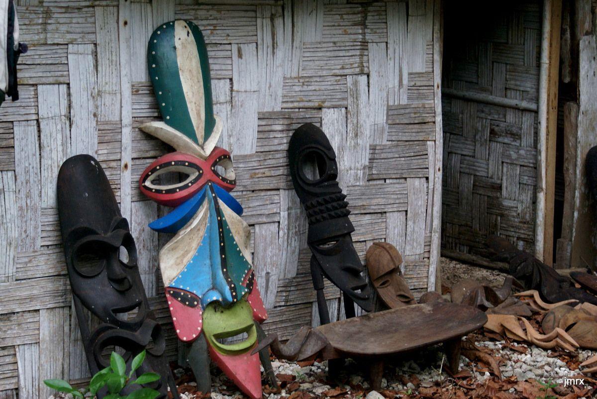 Le fameux sculpteur de Vao (Nord Mallicolo)