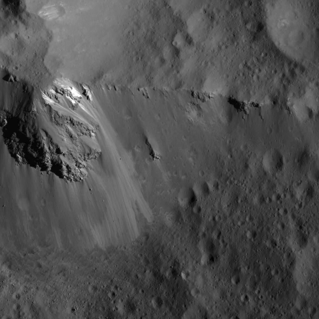 Large block along the ridge of Urvara Crater (NASA/JPL-Caltech/UCLA/MPS/DLR/IDA)
