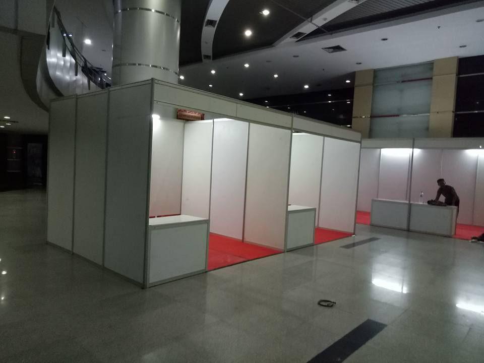 Sewa Booth R8, Booth R8, Sewa Booth Murah