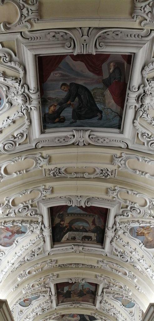 Abbaye de Lambach et les photos du chemin