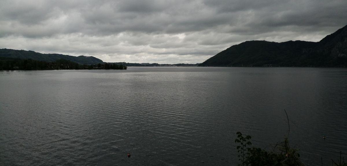 Vue sur le lac, le torrent Traun et l'église de Bad Ischl