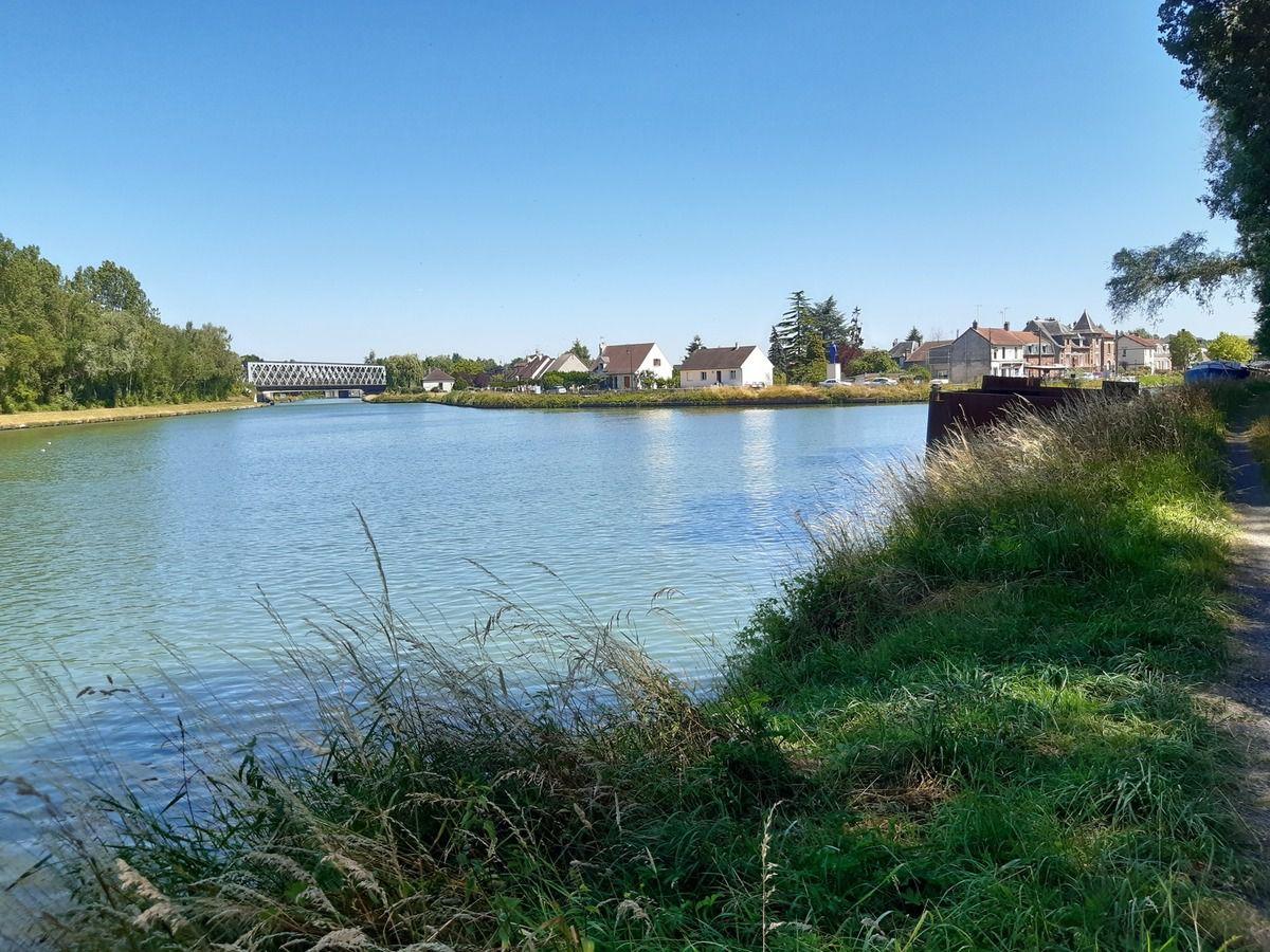 Pont l'évêque  toujours,canal de l'Oise et canal du nord