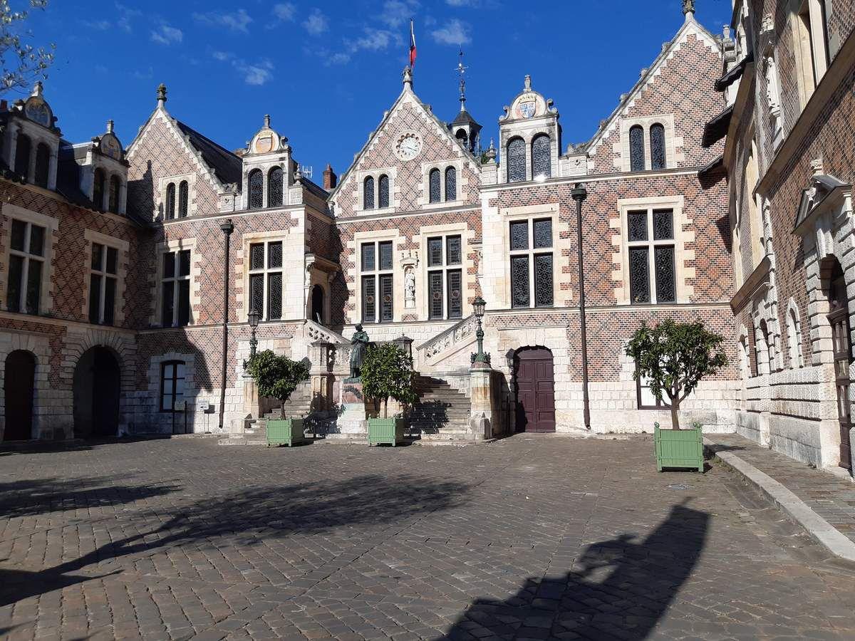 Hôtel  Groslot ,ancien hôtel  de ville